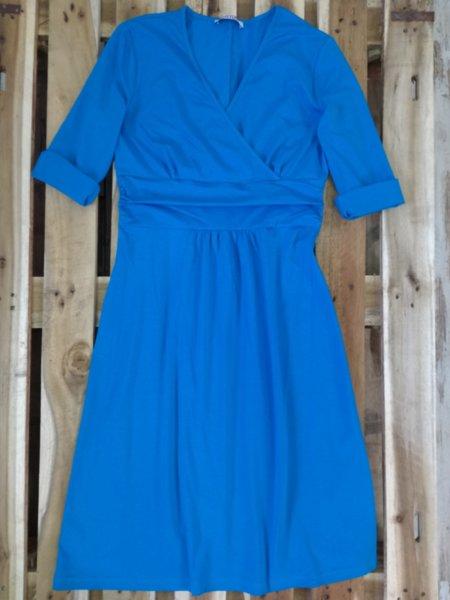 Дамска рокля в синьо